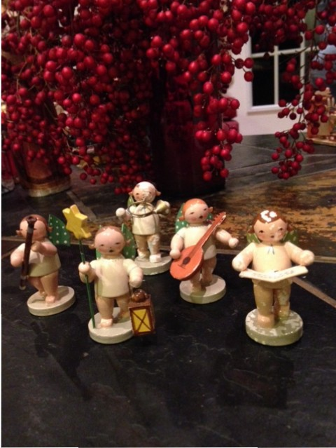 angel carolers figurines